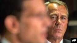 El presidente de la Cámara de Representantes, John Boehner aguanta las presiones a las que es sometido en el tema de la reforma migratoria.