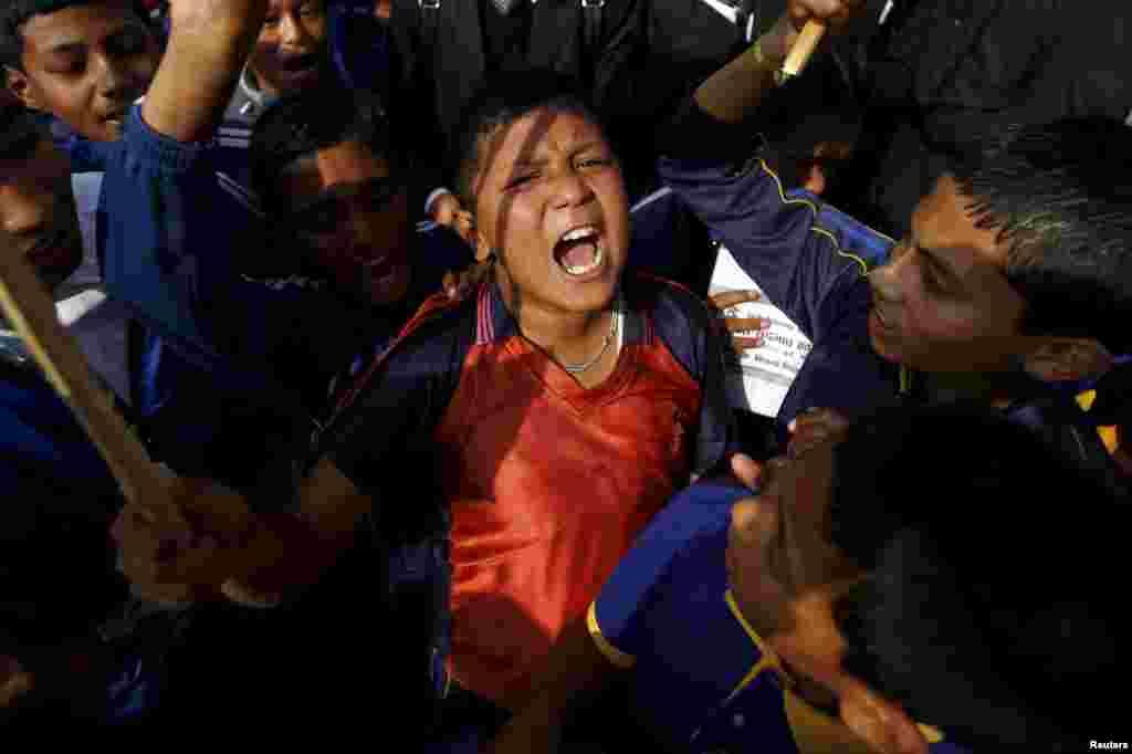 Nepalda hukumatga qarshi namoyishlar