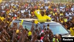 Rais Yoweri Museveni wa Uganda wakati akifanya kampeni nchini humo