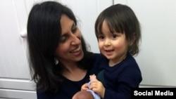 نازنین زاغری رتکلیف و کودک خردسالش هنگام خروج ازایران دستگیر شدند