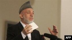 Tổng Thống Karzai nói ông vẫn giữ ý định giải tán các công ty an ninh tư, tuy nhiên ông yêu cầu được trao một danh sách các dự án quy mô, cần có sự bảo vệ của nhân viên an ninh tư