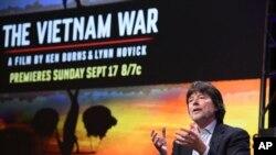 """Đạo diễn Ken Burns tại một buổi giới thiệu về bộ phim """"The Vietnam War"""" tại khách sạn Beverly Hilton ở Beverly Hills, California, hôm 30/7."""