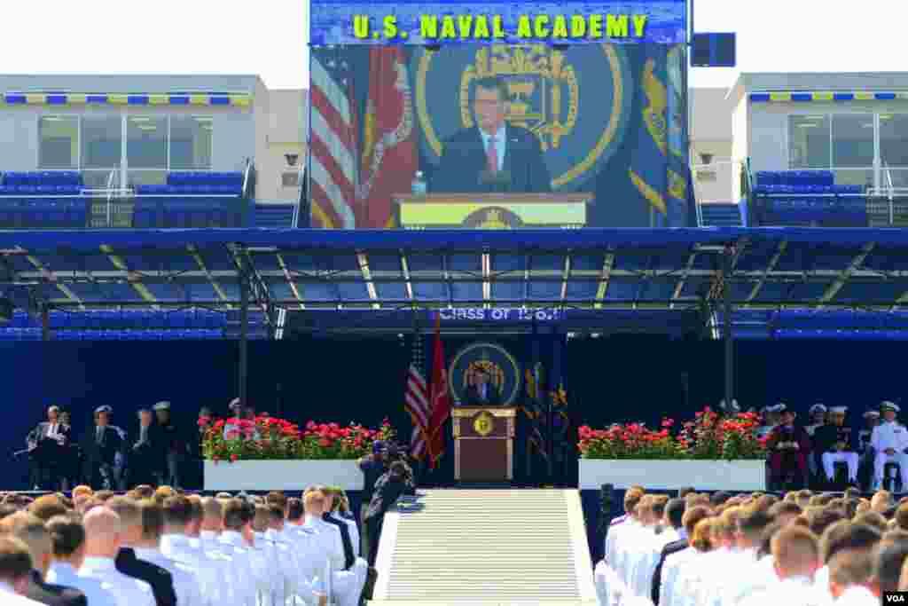 Выступление перед курсантами министра обороны США Эштона Картера