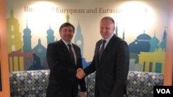 Zamenik pomoćnika državnog sekretara za Evropu i Evroaziju Metju Palmer i jedan od lidera Saveza za Srbiju Dragan Đilas