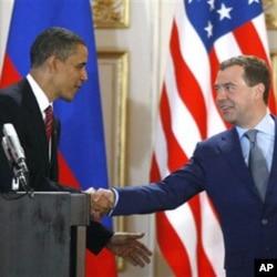 روسی صدر اپنے اپنے امریکی ہم منصب کے ہمراہ