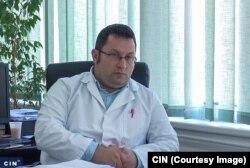 """Direktor Doma zdravlja """"Dr. Isak Samokovlija"""" u Goraždu Edin Čengić je od novinara CIN-a saznao da aplikacija za elektronske zdravstvene kartone radi u njegovom domu zdravlja (Foto: CIN)"""