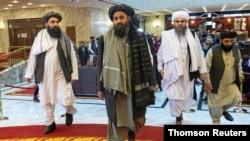 រូបឯកសារ៖ មេដឹកនាំក្រុមតាលីបង់លោក Mullah Abdul Ghani Baradarក្នុងពេលចូលរួមកិច្ចពិភាក្សាចរចារសន្តិភាព នៅក្រុងមូស្គូ ប្រទេសរុស្ស៊ី។