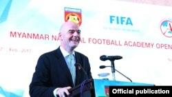 ျမန္မာ့အမ်ိဳးသား ေဘာလံုးအကယ္ဒမီ ေက်ာင္းဖြင့္ပြဲကို FIFA ကမာၻ႔ေဘာလံုးအဖြဲ႔ခ်ဳပ္ ဥကၠ႒ Gianni Infantino ကိုယ္တိုင္ ဖြင့္လွစ္။ (သတင္းဓာတ္ပံု- Myanmar Football Federation)