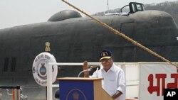 印度国防部长安东尼4月4日在阿库拉II级核潜艇移交仪式上讲话