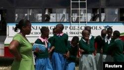 """Selama sekolah tutup akibat pandemi, banyak siswi di Kenya bekerja """"apa saja"""" termasuk menjadi PSK selama pandemi (foto: ilustrasi)."""