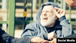 مهدی شادمانی در دوران مبارزه با سرطان