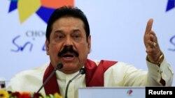Presiden Sri Lanka Mahinda Rajapaksa dalam sebuah konferensi pers. (Foto: Dok)