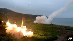 Hàn Quốc tập trận, phóng tên lửa Hyunmoo II (ảnh tư liệu, 2017).