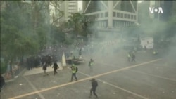 香港促政改民眾集會被中斷 警方施放催淚彈