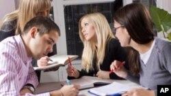 چینیـیهکان دهڵێن زانکۆکانی ئهمهریکا له باشـترین زانکۆکانی جیهانن