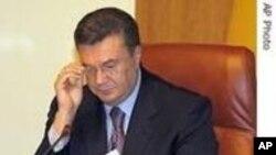 Јанукович ја повика Тимошенко да поднесе оставка