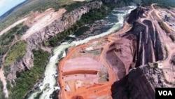 Baragem Hidroelectrica de Laúca