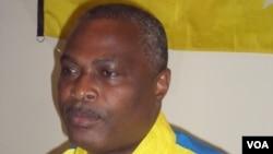 Angola Abel Chivukuvuku CASA CE no Namibe