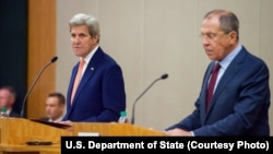 U.S. Secretary of State John Kerry, left, speaks as he and Russian Foreign Minister Sergei Lavrov address reporters during a joint news conference following a bilateral meeting focused on Syria, in Geneva, Aug. 26, 2016.
