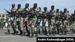 L'armée tchadienne à N'Djamena, au Tchad, le 28 avril 2018. (VOA/André Kodmadjingar)