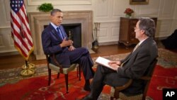 Президент Барак Обама в 2011 году дает интервью журналисту «Голоса Америки» в Белом доме