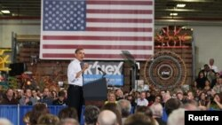 Presiden Obama saat berpidato di hadapan para pekerja pabrik mainan Rodon Group di Hatfield, Pennsylvania (30/11).