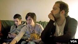 Zabrinuti izgledima za karijeru i budućnost, troje mladih Portugalaca pokrenulo je, preko društvenih medija, kampanju