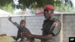 尼日利亞軍方戒備。