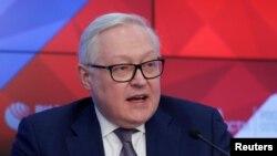 El vicecanciller ruso, Sergei Ryabkov, habla durante una conferencia de prensa en Moscú, Rusia, el 7 de febrero de 2019.