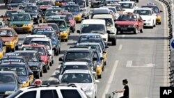 中國公路塞車造成大量廢氣污染