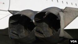 Francia dice que una pieza de metal, que cayó de un avión de Continental Airlines, cortó una de las llantas del Concord.