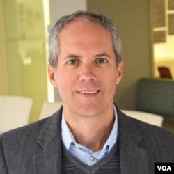 全球发展中心报告作者斯科特·莫里斯曾在奥巴马政府时期任职财政部与世行相关的部门。
