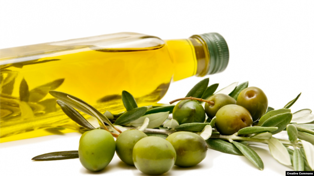 Olive oil, according to a new study, could help stave off Alzheimer's disease.