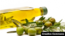 Olive oil, according to a new study, could help stave off Alzheimer's disease. (USDA/Creative Commons)