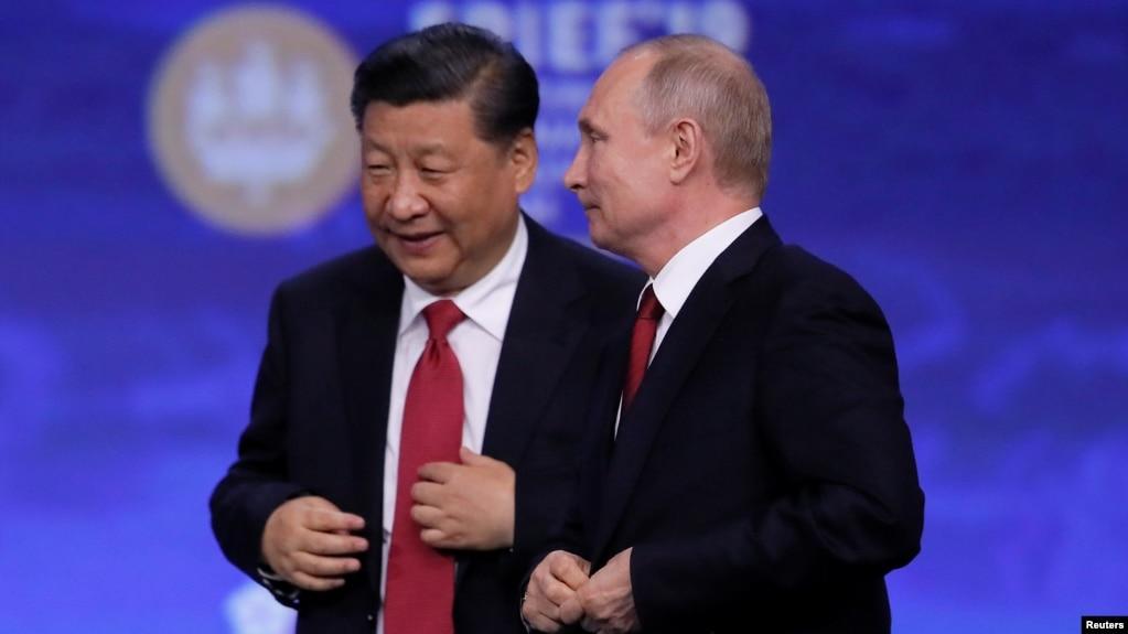 中国国家主席习近平和俄罗斯总统普京在圣彼得堡出席国际经济论坛会议期间。(路透社 2019年6月7日)