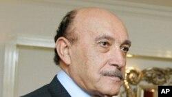 Egipto: Vice-presidente diz que Mubarak continua no poder até Setembro