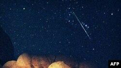 Метеор в небе над Калифорнией. США. 12 августа 1997 года