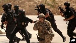 نیروهای ویژه ارتش اردن این افراد را دستگیر کرده بودند.