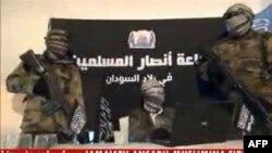 Une capture d'écran du 24 décembre 2012 montre des membres du groupe islamiste Ansaru.
