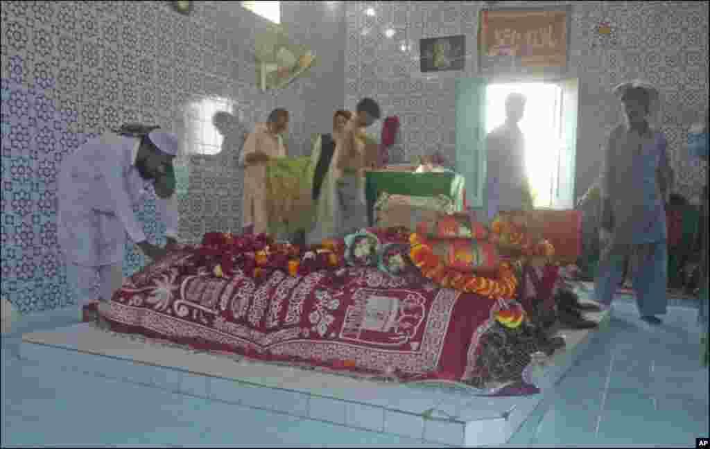 کراچی میں عبداللہ شاہ غازی کا عرس