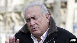 Mantan Direktur IMF, Dominique Strauss-Kahn tahun lalu dituduh membantu mengumpulkan pelacur untuk sebuah pesta seks di Perancis (foto: dok).