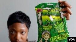 """Los dulces llamados """"Ring Pots"""" hacen un llamado para legalizar la marihuana lo que ha generado descontento entre padres de familia."""