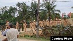 Công an được điều động đến giáo xứ Mỹ Yên trong tỉnh Nghệ An. (VRNs)