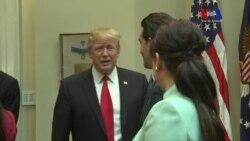 El presidente Trump ataca a senador Schumer