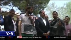Presidenti Nishani me protestuesit