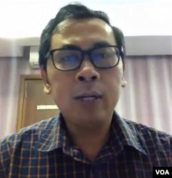 Staf khusus Menteri Keuangan, Yustinus Prastowo, via Zoom, Minggu 26 April 2020. (VOA/Anugrah)