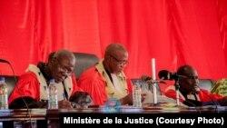 Deuxième jour du procès d'Amadou Haya Sanogo devant la cour d'assises de Sikasso, dans le sud du Mali, le 1er décembre 2016. (Ministère de la Justice)