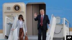 Президент США з дружиною в аеропорту Гельсінкі 15 липня 2018р.