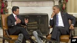 El presidente electo de México, Enrique Peña Nieto, conversa en la Casa Blanca con su homólogo estadounidense Barack Obama. Las expectativas de una nueva relación a partir de esta visita son grandes en México.