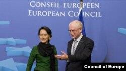 Daw San Suu Kyi and EU Council President Mr. Merman van Rompuy